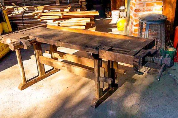 Ristrutturazione banco da lavoro in legno